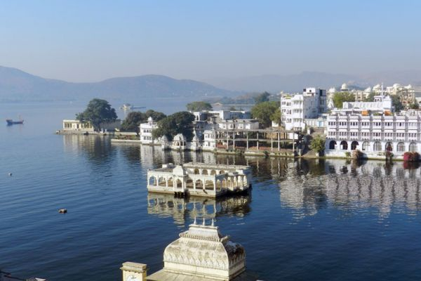 lake-pichola-udaipur-hotels-in-udaipur