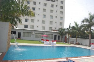 swimming pool in udaipur (12)