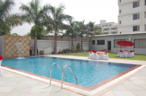 swimming pool in udaipur (3)