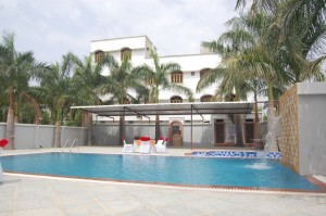 swimming pool in udaipur (9)